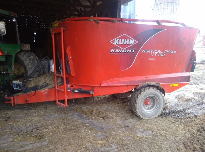 2014 Kuhn Knight VT132 TMR Mixer For Sale