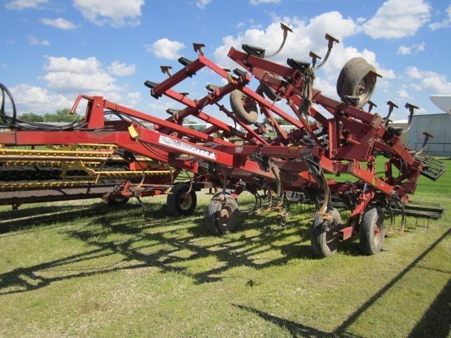 2002 Case IH 4300 Field Cultivator For Sale