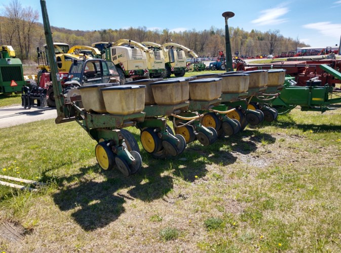 John Deere 7000 Planter For Sale