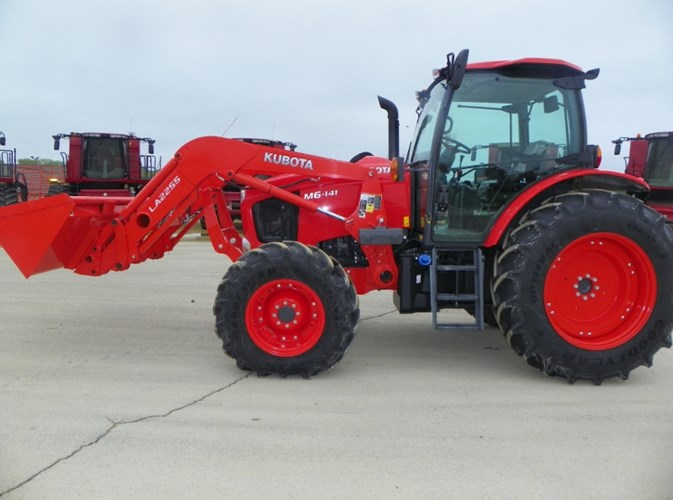 2019 Kubota M6-141DTC-F Tractor For Sale