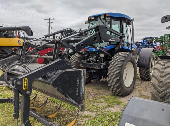 2013 New Holland TV6070 Tractor For Sale