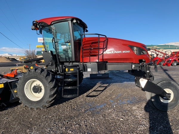 2020 MacDon M1240 Windrower-Self Propelled For Sale