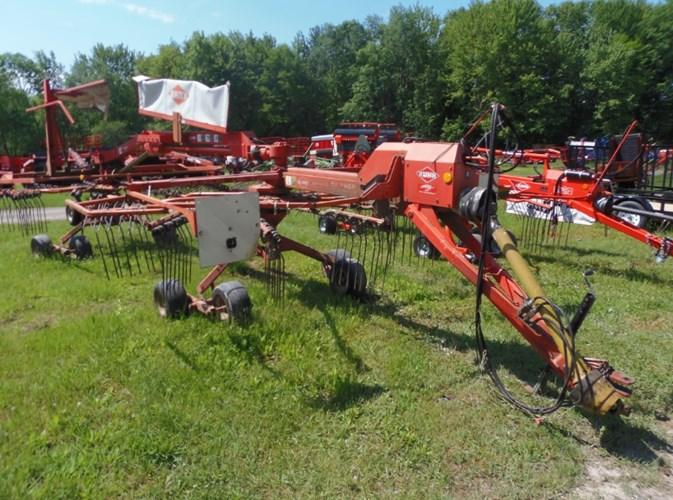 2004 Kuhn GA7822 Hay Rake-Rotary For Sale