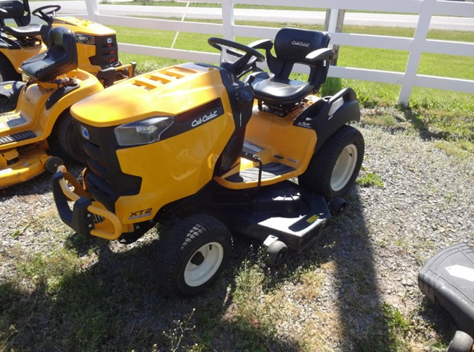 2017 Cub Cadet XT2 GX54 D FAB Riding Mower For Sale