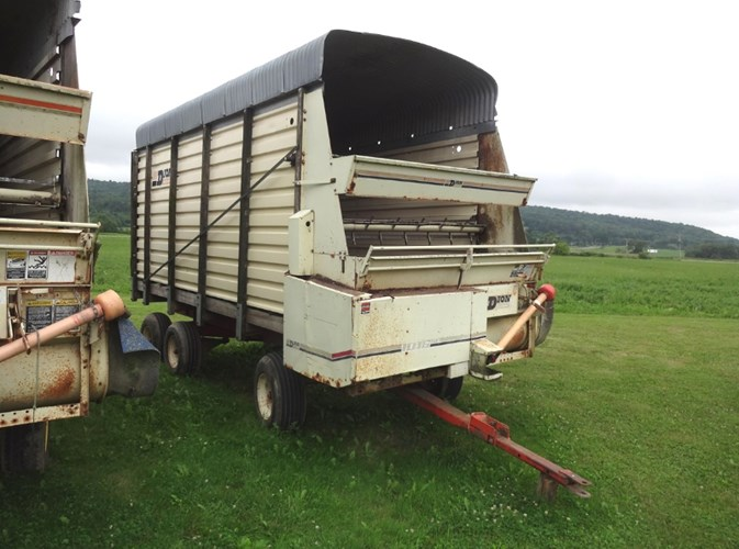 Dion N10L Forage Box-Wagon Mounted For Sale