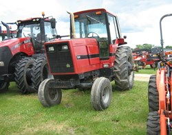 Tractor For Sale: 1981 International 5088, 135 HP