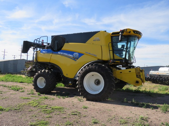 2020 New Holland CR8.90 Combine For Sale