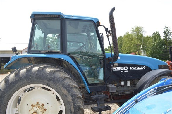 1997 New Holland 8260 Tractor For Sale