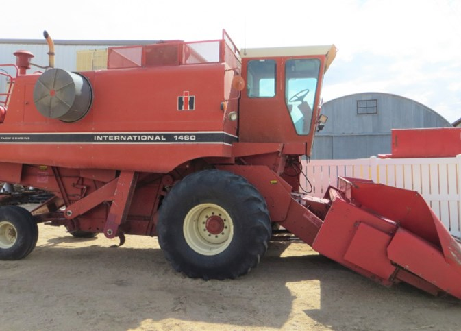 1983 Case IH 1460 Combine For Sale