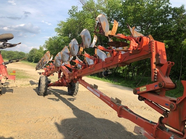 Kuhn CHALLENGER 9NS Plow-Moldboard For Sale
