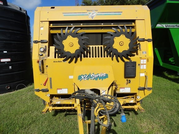 Vermeer 555XL Baler-Round For Sale