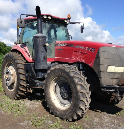 2014 Case IH 220 Tractor For Sale