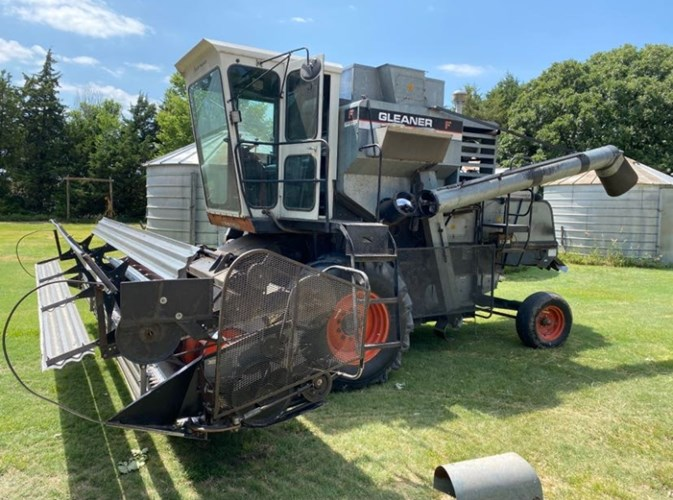 Gleaner F2 Combine For Sale