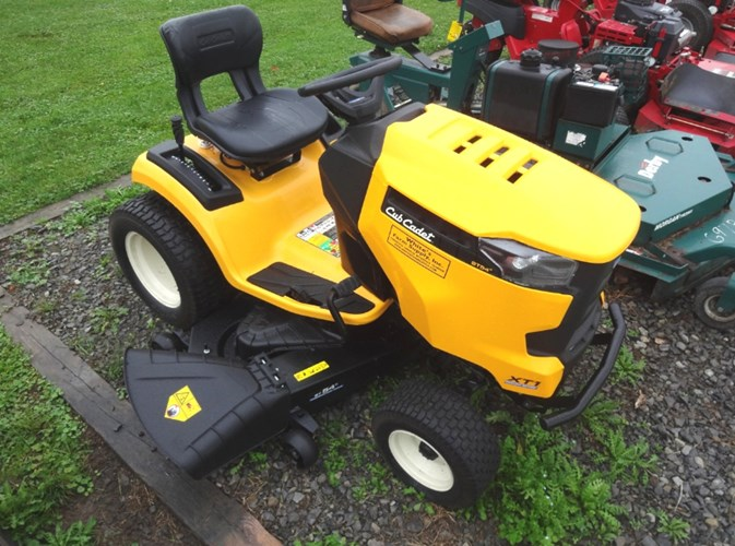 2018 Cub Cadet XT1 ST54 FAB Riding Mower For Sale