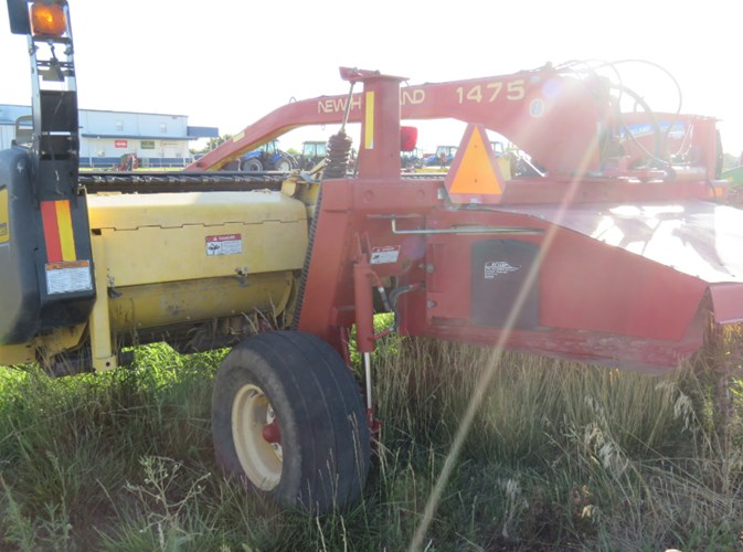 1999 New Holland 1475 Windrower-Pull Type For Sale