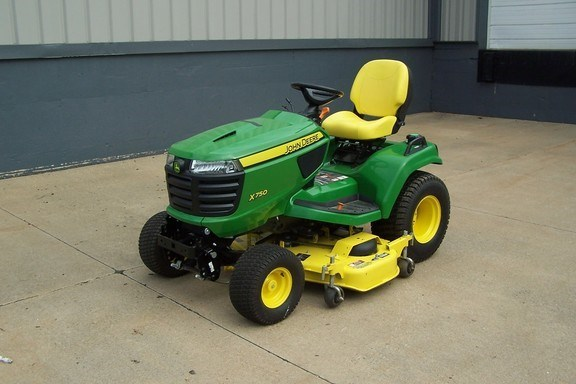2017 John Deere X750 Riding Mower For Sale