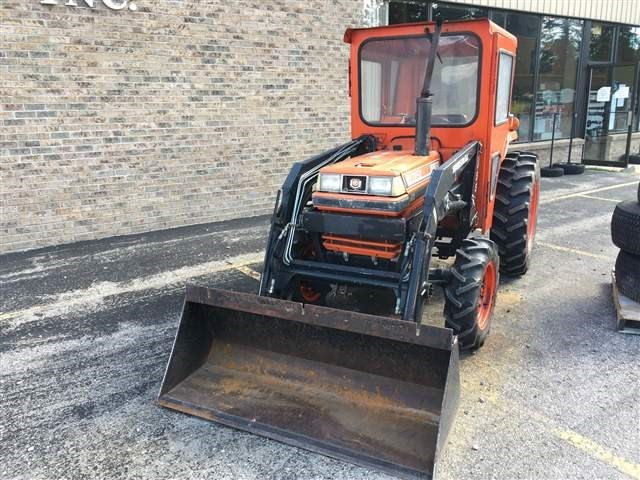 Kubota L2850DT Tractor For Sale