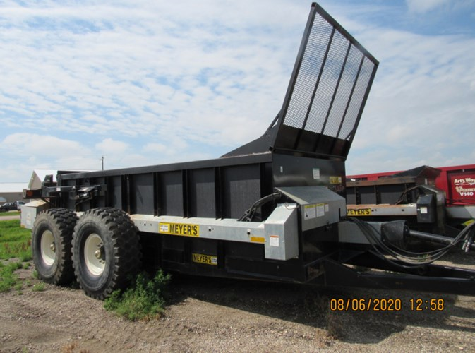 Meyers 3750 Manure Spreader-Dry/Pull Type For Sale