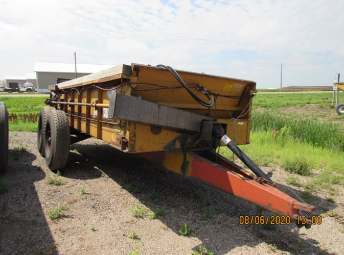 Knight 410 Manure Spreader-Dry For Sale