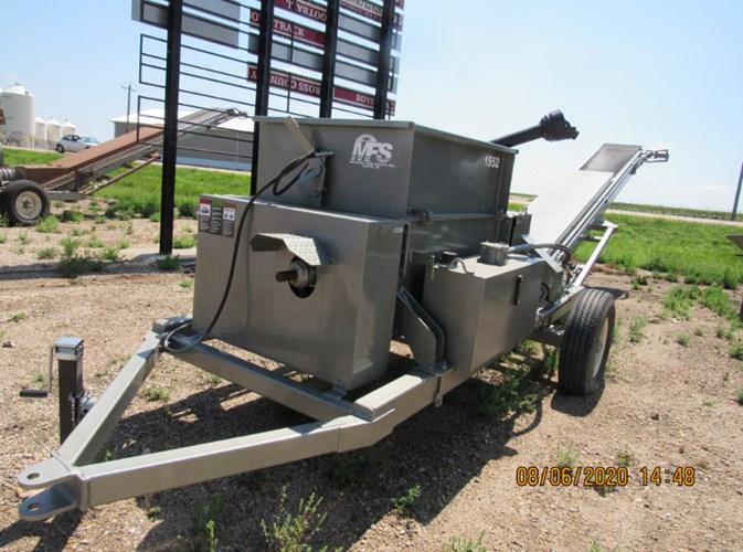 2020 Meyerink Farm Service 1552 Roller Mill For Sale