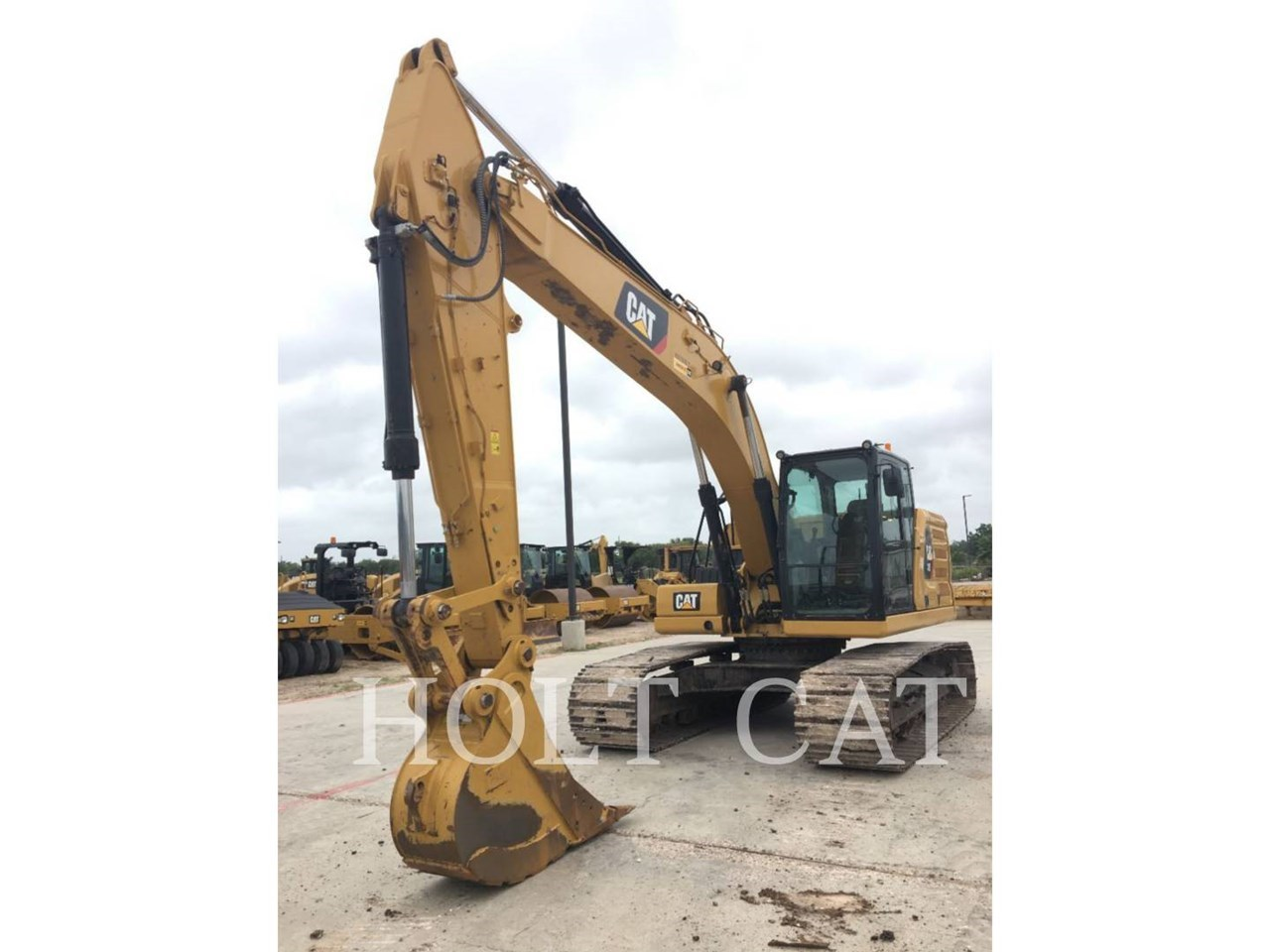 2018 Caterpillar 323 Image 2