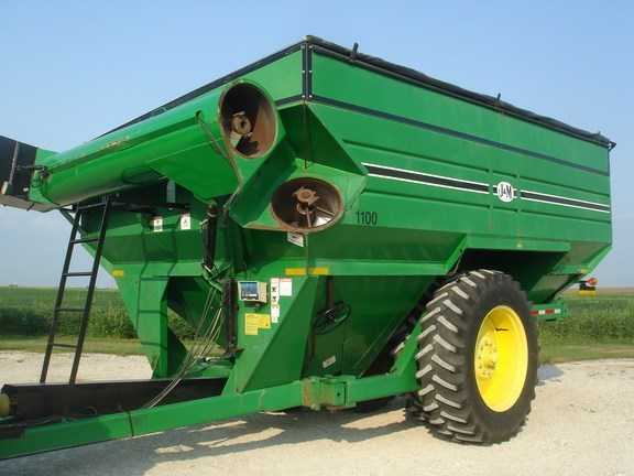 2003 J & M 1100-22GC Grain Cart For Sale