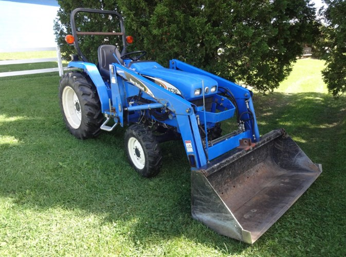 2007 New Holland TC30 Tractor - Compact Utility For Sale