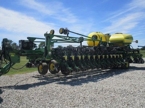 2009 John Deere DB60 Planter For Sale