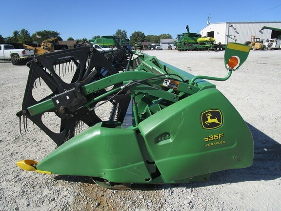 2004 John Deere 635F Header-Auger/Flex For Sale
