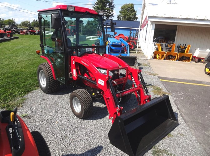 2017 Mahindra EMAX 25S HST Tractor - Compact Utility For Sale