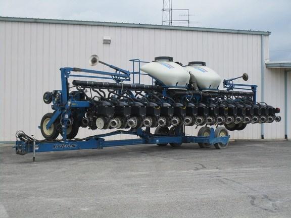 2012 Kinze 3600 Planter For Sale