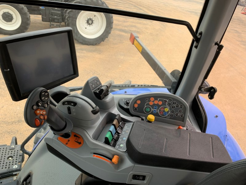 2020 New Holland T8.380 Image 11