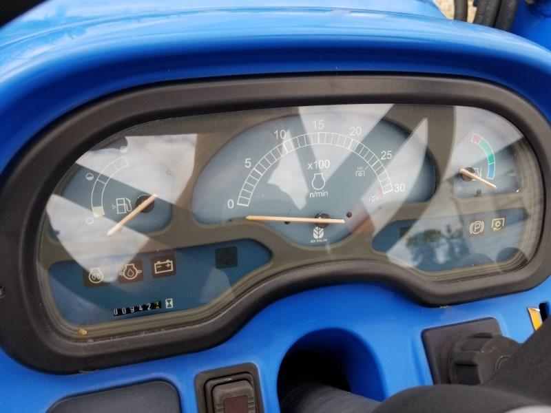 2005 New Holland TC33DA Image 5