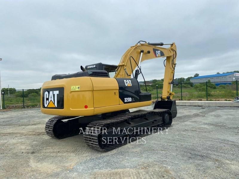 2016 Caterpillar 320D2L Image 3