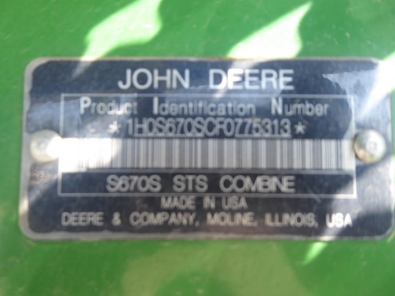 2015 John Deere S670 Image 15