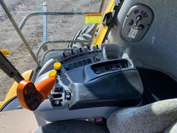 2010 New Holland CR9080 Image 14