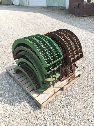 John Deere LARGE WIRE CONCAVES Image 1