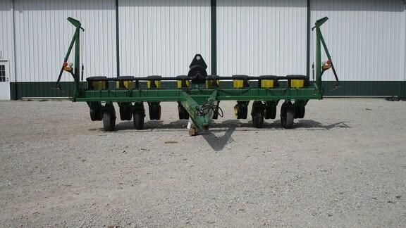 1994 John Deere 7200 Planter For Sale