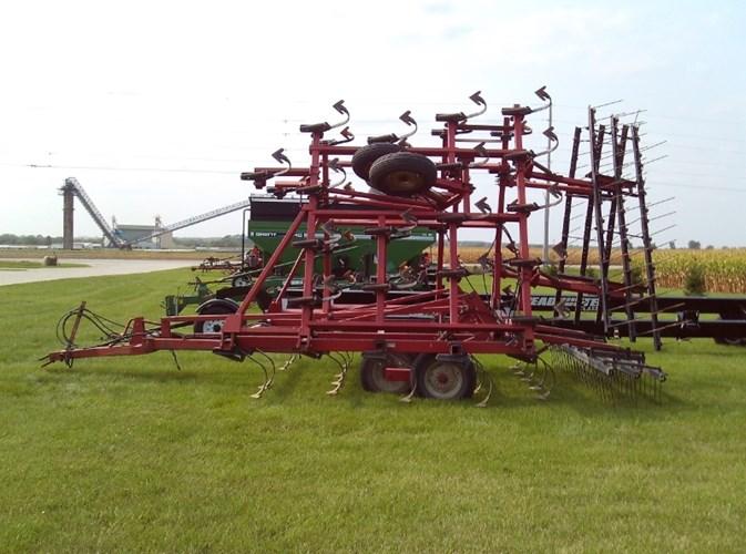 Case IH 4800 Field Cultivator For Sale