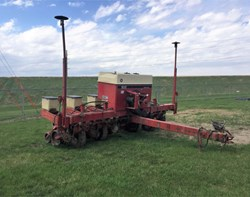 Planter For Sale: Case IH 900 6ROW