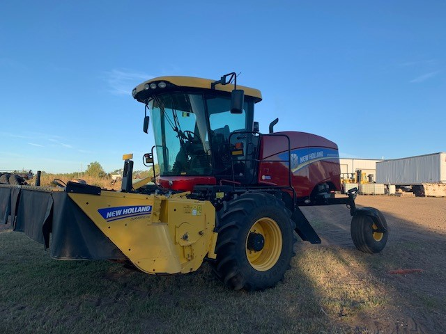 2016 New Holland SPEEDROWER 260 Windrower-Self Propelled For Sale