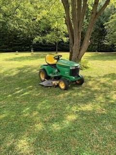 Lawn Mower For Sale 2005 John Deere 335 , 20 HP