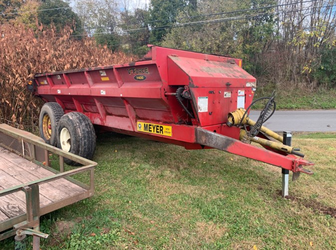 2010 Meyer 7400 Manure Spreader-Dry/Pull Type For Sale