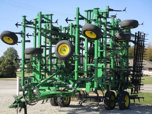 2018 John Deere 2230 Field Cultivator For Sale