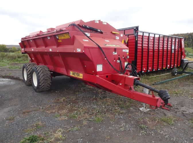 2014 Meyer 8720T Manure Spreader-Dry/Pull Type For Sale
