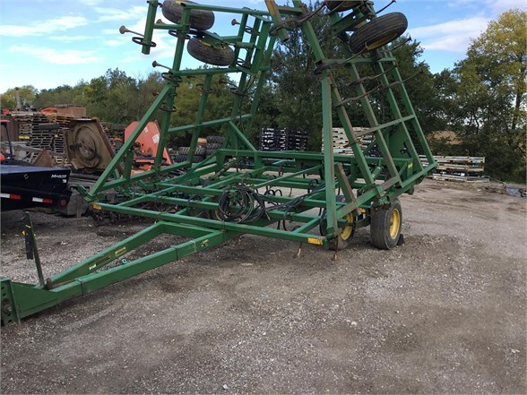 John Deere 960 Field Cultivator For Sale