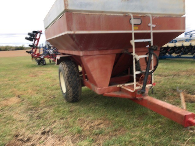 EZ Trail 500 Grain Cart For Sale