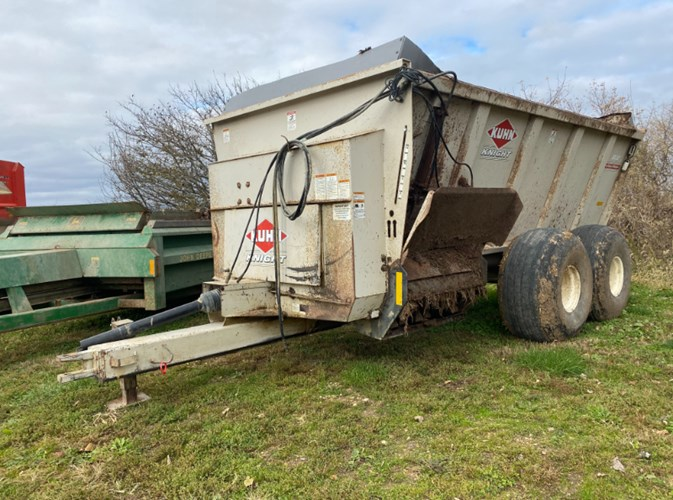 Knight 8132TR Manure Spreader-Dry For Sale
