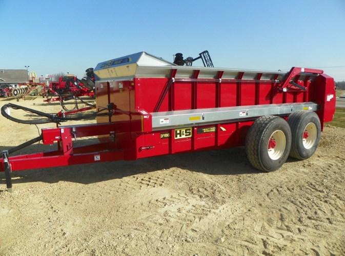 2020 H & S 3166 Manure Spreader-Dry For Sale