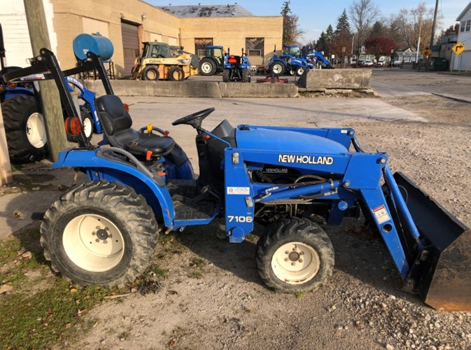2001 New Holland TC21D Tractor For Sale